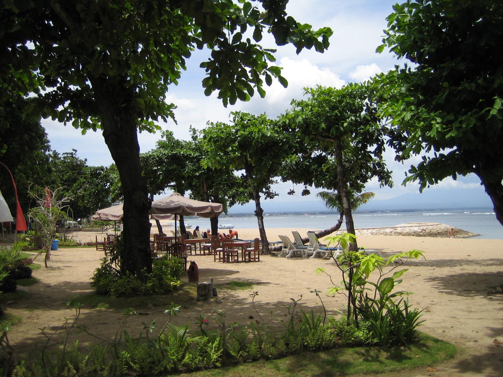 Strand op een paar minuutjes fietsen bij appartement in Sanur op Bali