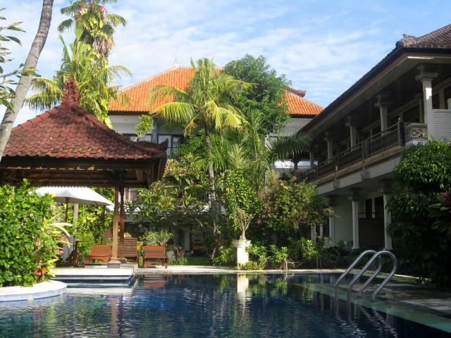 Een van de zwembaden bij het appartement Sanur Bali