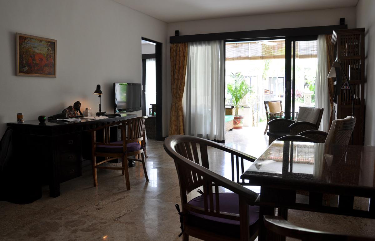 Afbeelding van de woonkamer van het appartement in Sanur